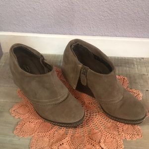 Dr. Scholl's Balance Wedge Suede Bootie Size 8